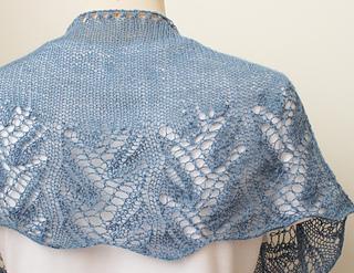 Knitting-shawl-something-blue4_small2
