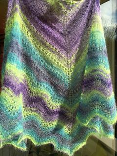 No-fuss_shade-loving_shawl_f_small2