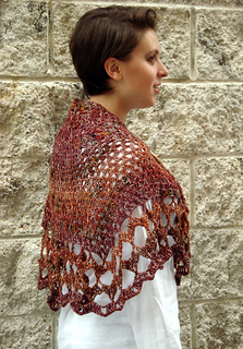 Ql_whitsunday_crochet_butterfly_shawl2_small2