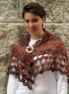 Ql_whitsunday_crochet_butterfly_shawl1_small2