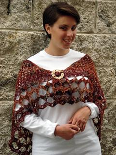 Ql_whitsunday_crochet_butterfly_shawl3_small2