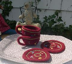 Teacup_and_saucer_014_crop_small