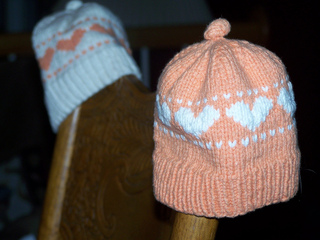 Baby_heart_hat_002_small2