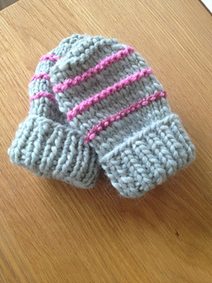 Basic Knitting Pattern For Baby Mittens : Ravelry: easy knit baby mittens pattern by marianna mel