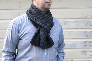 _img_5665_grayscarf_small2