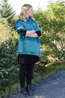 Hulda_in_posiedon_s_shawl_small2