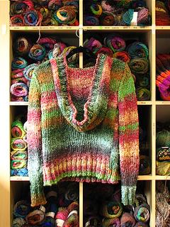 Linda_s_odori_hoodie_back_small2