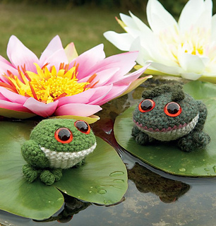 Crochet-frogs_small2