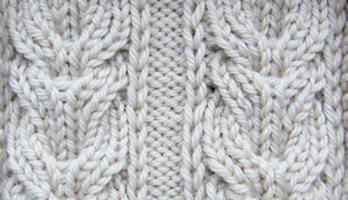 Double_lyre_cable_right_side_close_up_2in_150dpi_medium