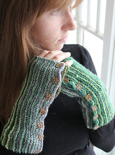 Kirara_fingerless_gloves_small2
