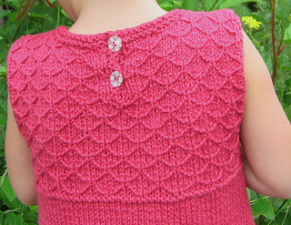 Top_detail_for_ravelry_small2
