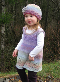 Stylizedflowerdress_forravelry_small2