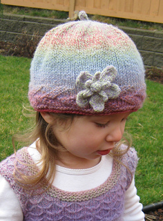 Winterrosehat_forravelry_small2