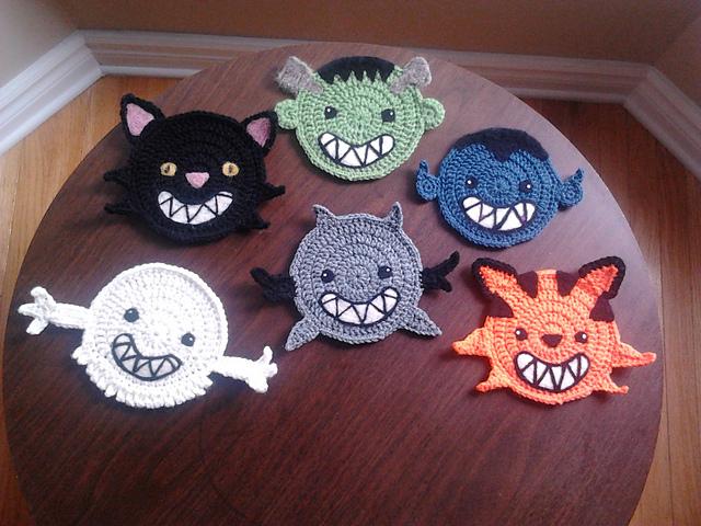 Cute cat coaster - free crochet pattern by Hello Happy. | Crochet ... | 480x640