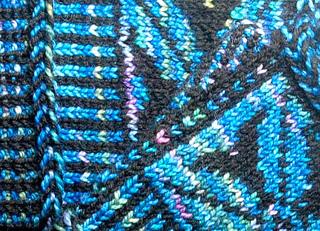 Detail2blueflowermitt_small2