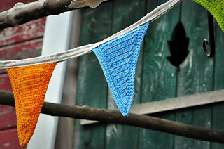Sm_happyknits_farmstandflags-007_small2