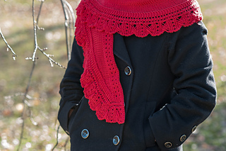 Red_scarf_outside_small2