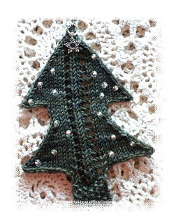 Tree2012-lace1-crop-edge1_small2