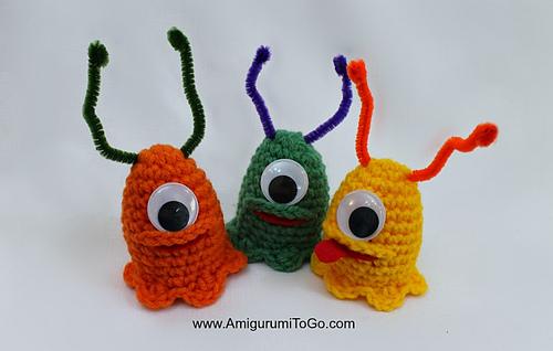 Crochet-alien-slug-easter-egg-cozy_medium