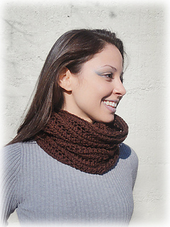 Shiri_designs_shapeshifting_cowl_brown_scarf_small2