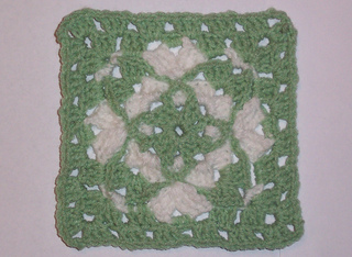 Foxs_granny_sq_green_border_small2