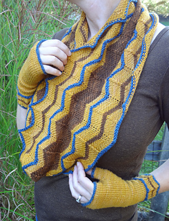 Cowl_and_mitts_crisp_small2