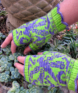 Dragonfly_mitts_3_small2
