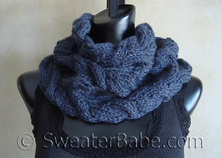 Luscious_cabled_cowl_500_small2