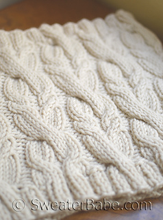 Double_cabled_cowl_500_small2