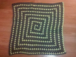Spiral_granny_blanket_small2