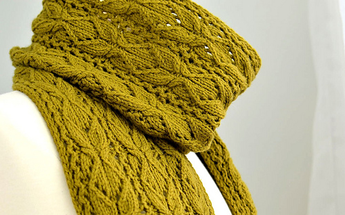 Bosc_scarf_mannequin_neck_detail_1_medium