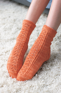 Custknit2_99382_edithsocks_063ret_small2
