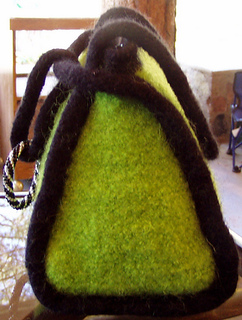 Beaded-ring-felted-bag2_small2