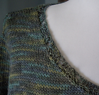 Parsley_close_up_neckline_small2