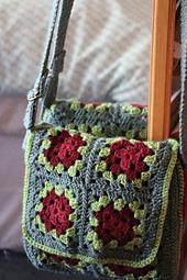 Ravelry: Granny Square Messenger Bag pattern by Judith L ...