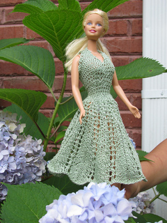 Barbie_lace_sundress_outside_001_small2