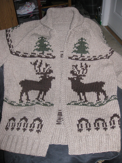 Reindeer_sweater_knitting_045_small2
