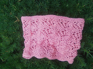 Frond_lace_cowl_small2