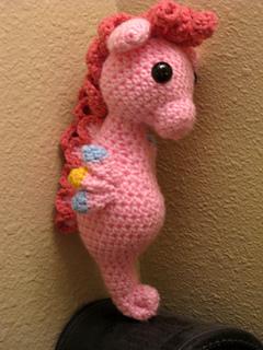 Pinky_pie_sea_pony_1_small2