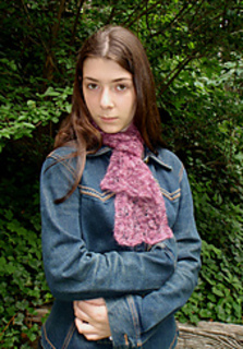 Traveling_leaf_scarf_1_small2