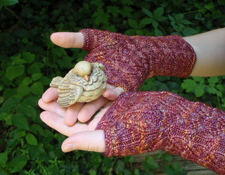Indian_corn_mitts_closeup_final_small2