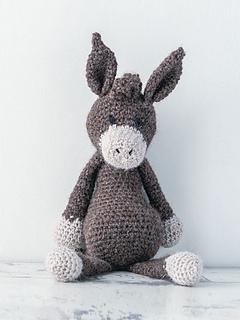 Edward_menagerie_crochet_amigurumi_donkey_small2
