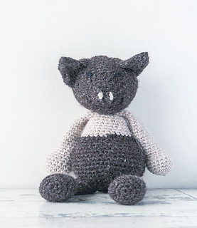 Edward_menagerie_kerry_lord_crochet_saddleback_pig_small2