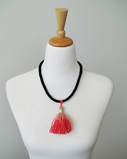 Tassel_necklace_pink_small2