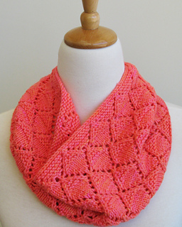 Malya_cowl_5_small2