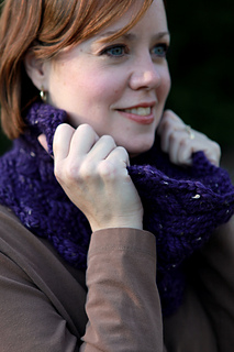 1301_lush_cowl_close_view_small2