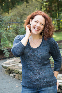Amy-retreat-sweater-first-pass-6_small2