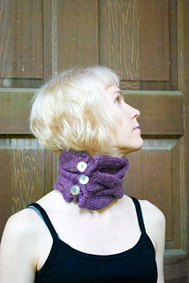 Cabled_cowl_2_small2
