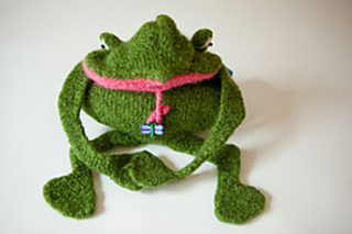 You-kiss-a-hundred-frogs-purse-3_small2