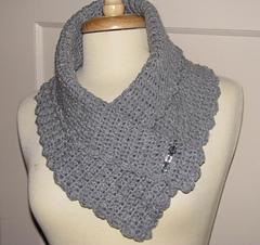 Crocheted_jazmin_collar_1_small